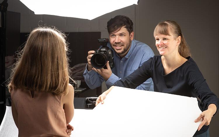 Fotograaf Kwinten en Tine aan het werk