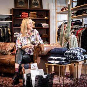 Bedrijfsreportage - profielfoto met verhaal - Sarah van Mannenmode Julien