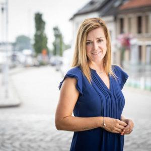 Bedrijfsreportage - profielfoto met verhaal - politica Griet Reyntiens