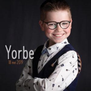 communiefoto's fotograaf stijlvol communiekaartje jongen