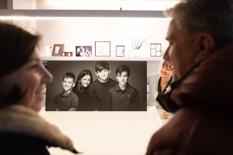 vergroting aan de muur bij fotograaf