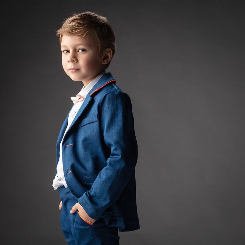 eerste communiefoto jongen kostuum
