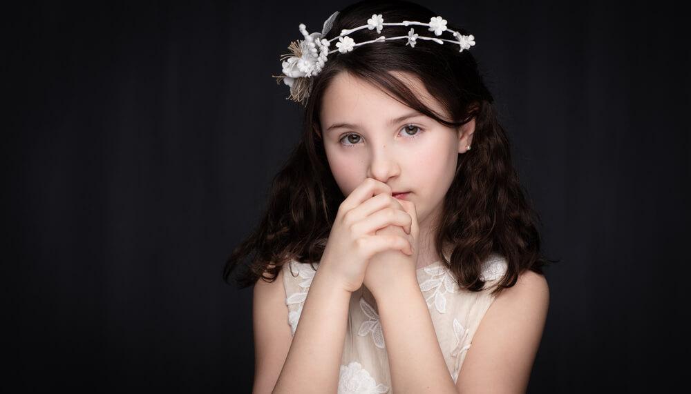 mooie communiefoto meisje