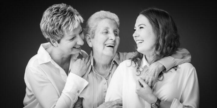 familiefoto van 3 generaties