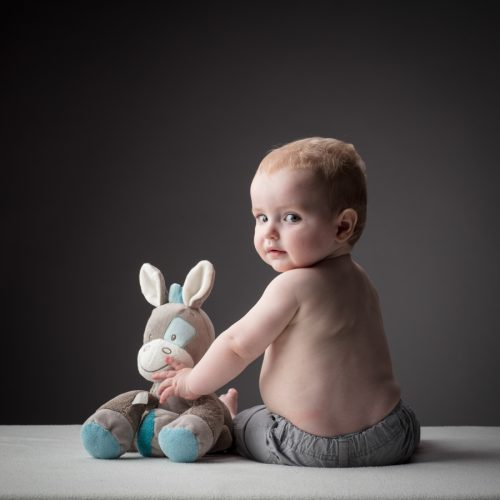 schattige baby foto met beer