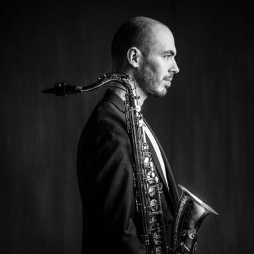 Jeroen Van Bevers zakelijk portret muzikant saxofonist
