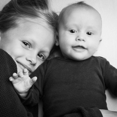 Lily en Anna - zusjesfoto