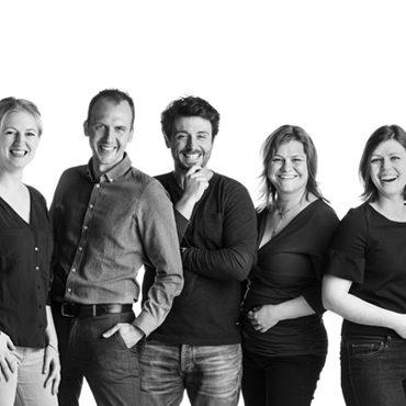 Teamfoto Klokhuis Interieurarchitecten - Groepsfoto vierkant